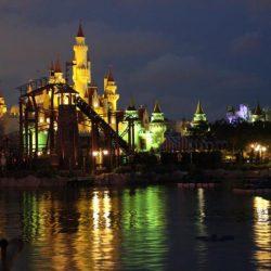 Universal Studios Singapore - «Королевство Шрека» (Far Far Away)