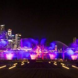 Лазерное шоу SPECTRA на набережной Marina Bay